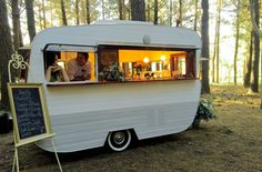 Little Vintage Bar & Van-Miss Fisher Mobile Bar in the forest.