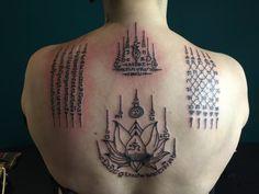Thailande Cambodge à Paris Thai Tattoo, Khmer Tattoo, Tatuagem Sak Yant, Sak Yant Tattoo, Tattoo Girls, Girl Tattoos, Back Tattoos, Body Art Tattoos, Small Tattoos