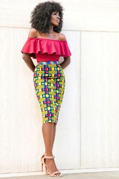 The African print is an old tradition. African Print Skirt, African Print Dresses, African Fabric, Trendy Dresses, Cute Dresses, German Style, European Costumes, African Fashion Skirts, African Attire