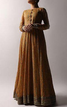 Pakistani Dresses Online Shopping, Online Dress Shopping, Chiffon Fabric, Chiffon Dress, Fashion Pants, Fashion Dresses, Silk Kurti, Designer Party Wear Dresses, Cotton Silk