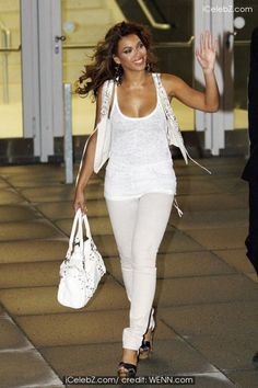 Beyonce Knowles leaving the O2 World arena after her concert Beyonce Knowles photo