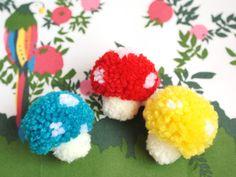 pom pom mushrooms Bric À Brac, Crafts To Make, Fun Crafts, Hobbies And Crafts, Arts And Crafts, Craft Tutorials, Pom Poms, Diy For Kids, Crafts For Kids