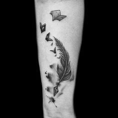 Feita pela tatuadora Kathleen Avlis