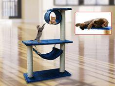 arbre à chat design en peluche bleu marine et poteaux en sisal