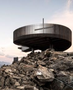 Ötzi Peak 3251m is a viewing platform made of weathering steel built by architecture studio Network of Architecture at the peak of Schnals Valley Glacier ridge in South Tyrol, Italy. Perched 3,251 metres above sea level – hence its name – the viewpoint looks towards Austria over an alpine landscape.Network of Architecture built the viewpoint at the top of the ridge, near to the Hotel Grawand, which claims to be the highest hotel in Europe. #Architecture Innovative Architecture, Modern Architecture Design, Commercial Architecture, Residential Architecture, Lakeside Cafe, Alpine Hotel, Weathering Steel, Glass Balustrade, Modern Architects