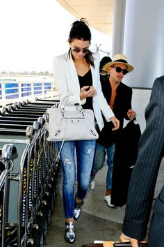 Infinity legs, amazing body and great style: Kendall Jenner , we love your st. Kendall Jenner Style, Kendall Kardashian, Estilo Kardashian, Kardashian Style, Looks Street Style, Casual Chic, Victoria Beckham, Olivia Palermo, Street Styles