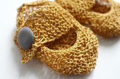 Chaussons dorés pour bébé : Mode Bébé par creations-fait-main-divers