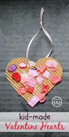This easy preschool Valentine's heart craft adds some preschool fine motor strengthening! #valentines #hearts #art #artsandcrafts #kidsactivity #preschool #AGE3 #AGE4 #finemotor