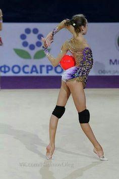 RG  ball start position #RhythmicGymnastics