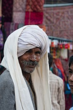 https://flic.kr/p/dxHRXw | Pushkar - Rajasthan - India | Pushkar -  Rajasthan - India - November 2012  Smile - it just makes you happy!!  - At market place in Pushkar.