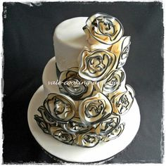 2 Tier Ivory Cake with Sugar Fabric Flower