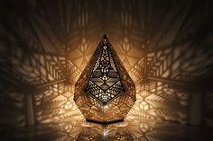 COZO est une entreprise située au coeur de San Francisco, ses concepteurs ont une passion pour la géométrie sacrée et ont décidé de développer des luminair