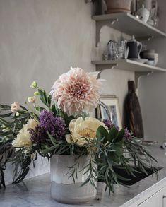 Dahlia, Table Decorations, Furniture, Home Decor, Decoration Home, Room Decor, Home Furnishings, Home Interior Design, Dahlias