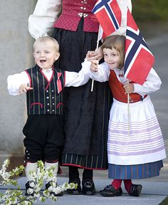 Crown Princess Mette-Marit with children Princess Ingrid Alexandra and Prince Sverre Magnus Norway National Day, Ingrid Alexandra, Europe Continent, Norwegian Wood, Beautiful Children, People Around The World, Princess, Barn, Royal Families