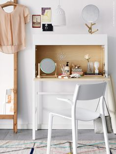 The IKEA PS 2014 secretary makes a clean and modern bedroom vanity - a great place to sit and get ready for your day, or a fun night out. up tafel slaapkamer Secretary IKEA PS 2014 white, birch veneer Ikea Ps 2014, Ikea Us, Ikea Malm, Home Bedroom, Modern Bedroom, Sweet Home, Ideas Para Organizar, Deco Design, Bedroom Vintage