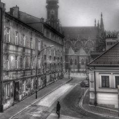 Mglisty poranek - Kraków (Podgórze). W tle kościół św. Józefa Krakow, Public, Space, Display