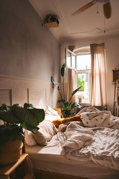 Shops, Declutter, Organize, Cozy Room, Scandinavian Design, Home Organization, Wall Design, Behind The Scenes, Just A Little