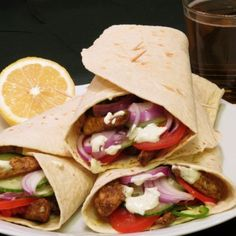 Házi készítésű tortilla lapok   Nosalty Garam Masala, Sandwiches, Tacos, Curry, Mexican, Ethnic Recipes, Muffin, Wraps, Foods