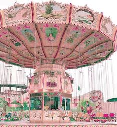 Love this pink carousel Pink Love, Pretty In Pink, Pink And Green, Pale Pink, Photo Wall Collage, Picture Wall, Picture Photo, Flower Power, Mixed Media Art