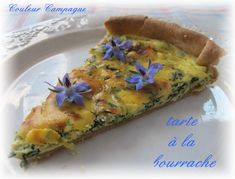 J'avais mis ses jolies petites fleurs bleues dans la salade ici Ses feuilles seront parfaites dans une tarte! La bourrache est vraiment la plante qu'il faut avoir dans son jardin. Chez elle tout s'utilise. Les fleurs dans la salade ou en infusion . Les... Plat Vegan, Speed Foods, Lunch Snacks, Aga, Quick Meals, Vegetarian Recipes, Veggies, Pizza, Cooking