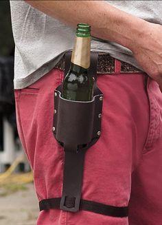 Beer holster... definitivamente necesito uno así.
