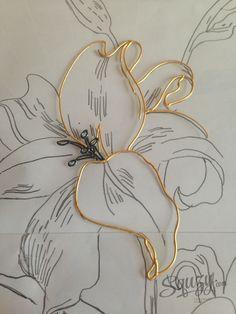 Мастер-класс по витражной росписи: Триптих Лилии. Использование структурной пасты.