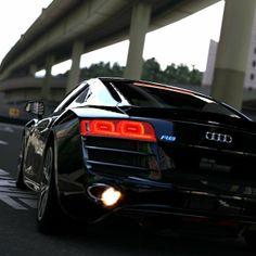 Audi R8 Shooting Flames!