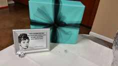 Quote & wrapped box with mesh bow