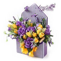 Букеты из конфет в НОВОСИБИРСКЕ Paper Flower Decor, Crepe Paper Flowers, Flower Crafts, Flower Decorations, Flower Box Gift, Flower Boxes, Candy Arrangements, Fleurs Diy, Pop Up Box Cards
