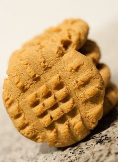 Candice's Low-Carb Almond Flour Peanut Butter Cookies - NET CARBS: 1.4 g   per cookie