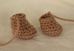 2 ways to crochet doll feet