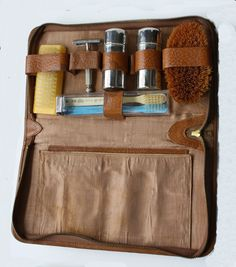 Vintage Men s Grooming Travel Kit Bag Brown Leather by Smockalope 261a25c3a0b01