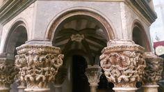 Pulpito della Cattedrale di Traú.  Maestro Pisano del Trecento