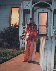Carrie Carrie Halloween Costume, Scary Halloween Costumes, Costumes Kids, Halloween 2020, Film Aesthetic, White Aesthetic, Movie Fancy Dress, Carrie White, Prom Queens