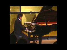 IGUDESMAN & JOO - Rachmaninov had big Hands - YouTube