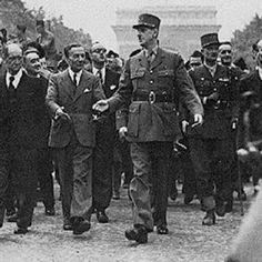 paris 26 aout 1944 le general de gaulle sur les champs elysees