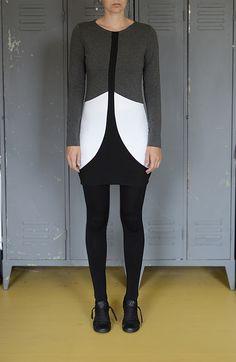 všechny+odstíny+šedi+//+šaty+3x3_černý+pruh+pohodlné+bavlněné+šaty+s+dlouhým+rukávem+a+geometrickým+členěním+materiál+-+bavněnýúplet+s+elastanem+velikost+-38/40
