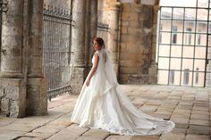 Carmen Soto The Bride   Atelier de vestidos de novia   Novias The Bride : El aire romántico y extra femenino de Ana   http://www.carmensotothebride.com