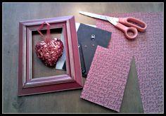 Sweet Little Bluebird: DIY Framed Valentine's Day Decor Valentine Decorations, Valentine Day Crafts, Happy Valentines Day, Valentine Stuff, Valentine Ideas, Valentines Frames, Happy Hearts Day, Hanging Hearts, Diy Frame