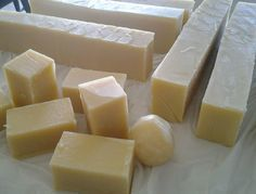 Take advantage of Filipinos passion for skin whitening products. Make and sell your own glutathione soap. Natural Skin Whitening, Best Teeth Whitening, Face Scrub Homemade, Homemade Skin Care, Apple Cider Vinegar For Skin, Skin Care Remedies, Natural Remedies, Soap Recipes, Making Ideas