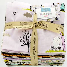 Too Cute to Spook - Fat Quarter Bundle [SQ-3390-21] - $75.00 : Clair's Fabrics, Patchwork Fabric for Quilts and Quilters. It's that time of year again when all strange things that go bump in the night come out to play! But let's not get too creepy, no one could seriously be afraid of....Too Cute to Spook. Its cute, it's spooky, it's cutely spooky