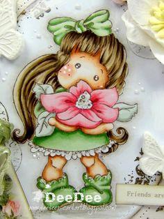 Copics: Haut/Skin: E13-E11-E00-E000-E0000-R20 Haare/Hair: E49-E47-E44-E43-E42 Kleidung/Clothes: YG67-YG63-YG61-W3-W1-W0-W00 Blume/Flower...