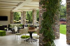 Bradfield & Tobin Design an Art-Filled, Deco-Inspired Estate by Incollect | Articles