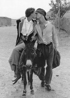 Aldo Fallai for Giorgio Armani, Marocco 1993 Giorgio Armani, Emporio Armani, Vogue Photography, Simple Prints, Pretty Photos, How To Pose, Weird World, Art Model, Estilo Retro