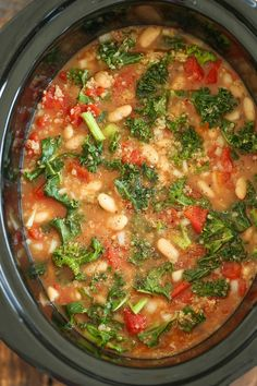 Slow Cooker Tomato, Kale and Quinoa Soup recipe for cold weather comfort (Crock Pot Soup Recipes) Vegan Slow Cooker, Slow Cooker Recipes, Cooking Recipes, Slow Cooker Soup Vegetarian, Cooking Tips, Vegetarian Crockpot Recipes, Cooking Pasta, Vegetarian Barbecue, Cooking Steak