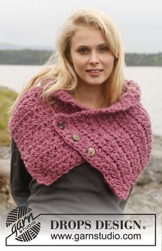 "Free pattern online! DROPS neck warmer in ""Eskimo"". #crochet"