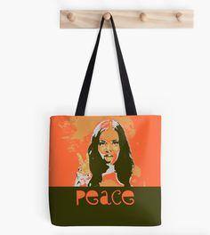 Liker du å være annerledes en alle andre?  #likerdu #annerledes  #tasker #puter #design #interior Reusable Tote Bags, Pillows, Design, Cushions, Pillow Forms, Cushion, Scatter Cushions