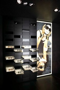 A luxurious showroom in the center of Milan for one the leading high-end manufacturers of eyewear. #luxuryjewelrydisplay