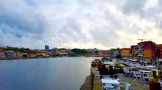#douro #oporto #sunday #colors #bestmoment #quidovetuttoèiniziato #cespu by joy.1988 Douro Valley, Terrace, Old Things, Sunday, Joy, River, Landscape, Architecture, World