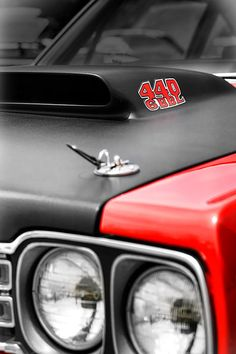 1969 Plymouth Road Runner 440 6BBL